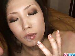 ضخ قوي من أيدي وفم فتاة سكسي فرنسي xnxx جميلة. تناول بوف الحيوانات المنوية -
